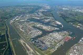 The Port of Rotterdam hydrogen initiatives