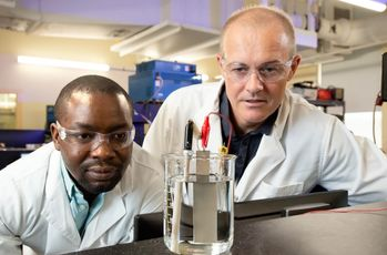 Researchers produce hydrogen chalk for cement