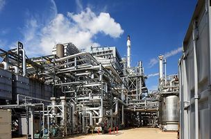 TotalEnergies, Technip Energies partner for low-carbon solutions for LNG and offshore facilities