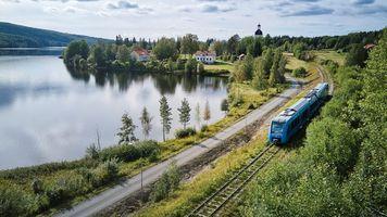 Iberdrola to partner for hydrogen railways in Italy; Hydrogen train debut in Sweden