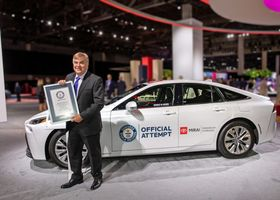Toyota Mirai sets the autonomy record; GAC launches a new hydrogen IC engine